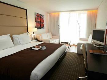 Hotel & Travel 2