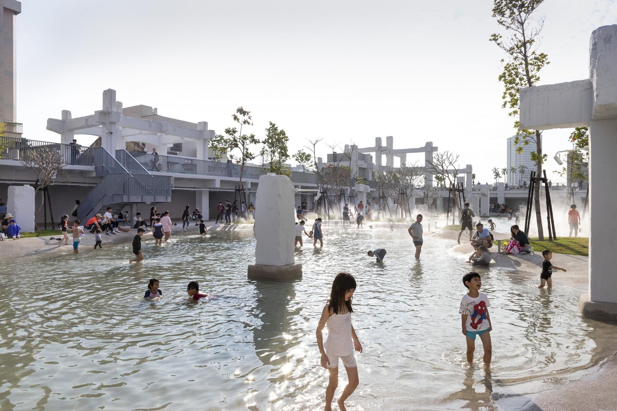 MRDV Transforms Abandoned Taiwanese Shopping Mall into Urban Lagoon