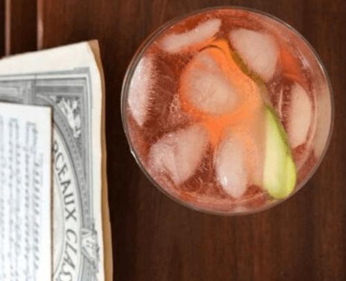 Alcohol-free seasonal spritz