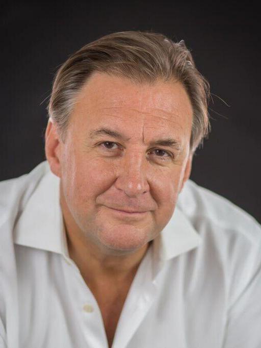 Jonathan Hindle