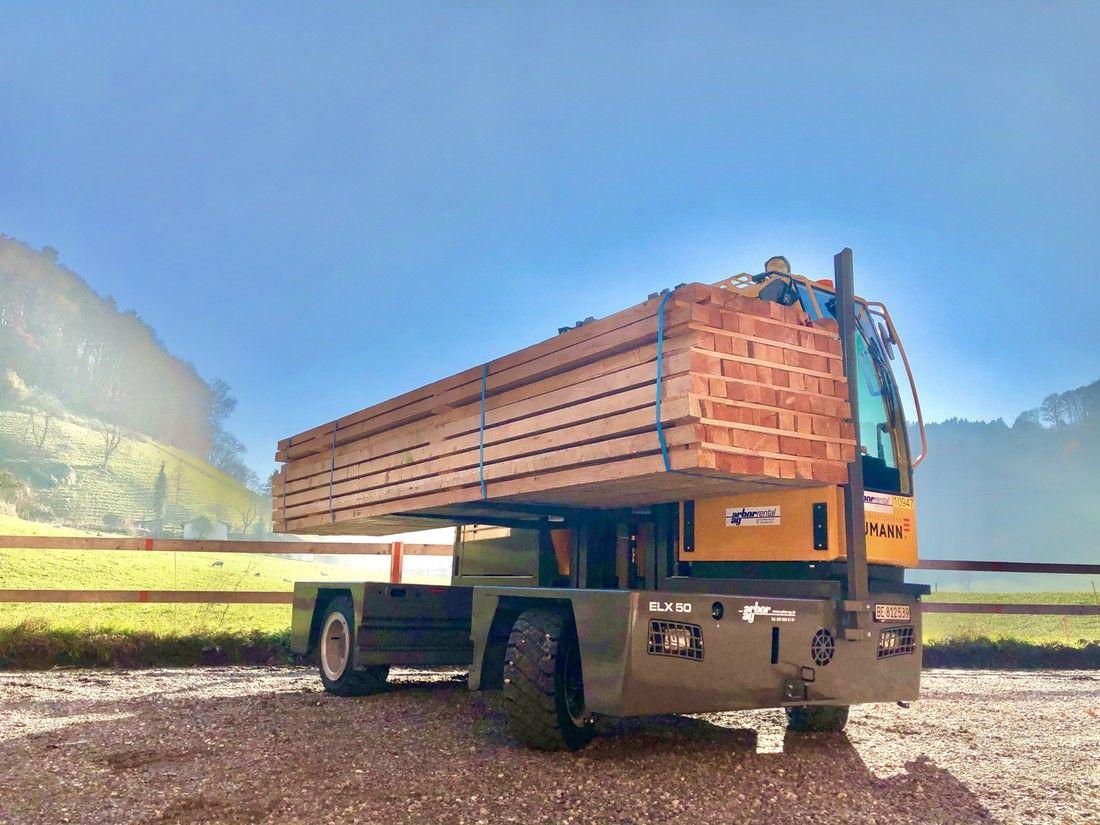 Long Load Forklift Baumann Electric Sideloader in timber application