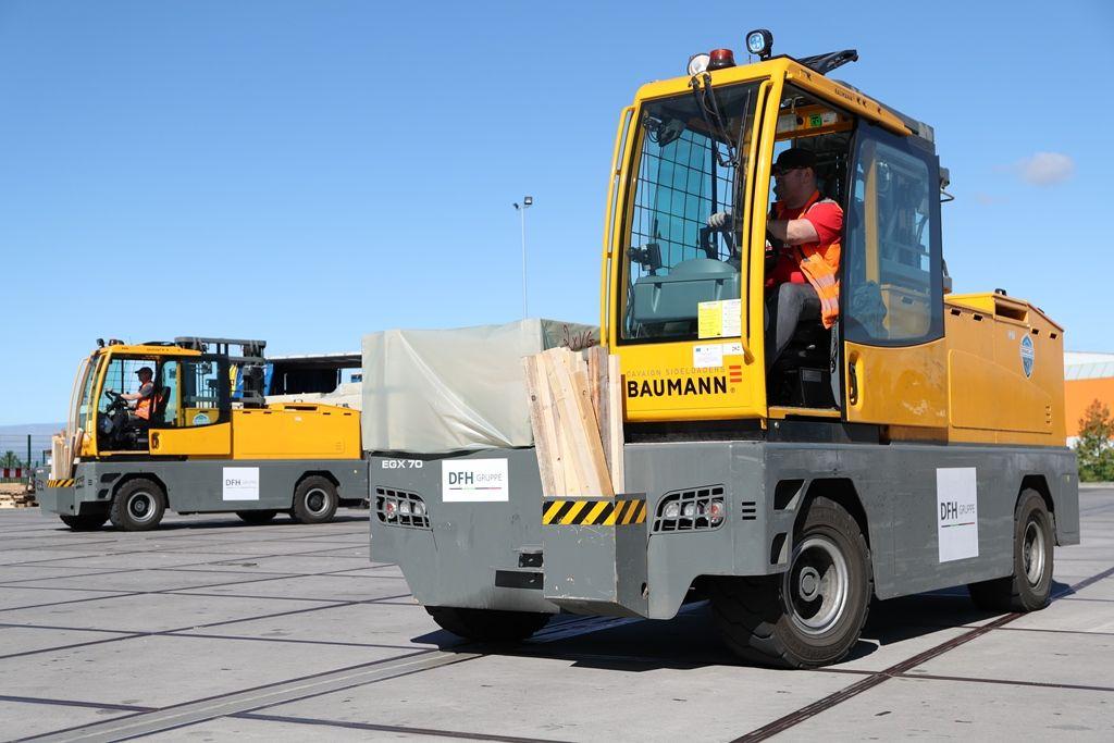 Baumann 120v EGX electric sideloaders with battery change at DFH Group.