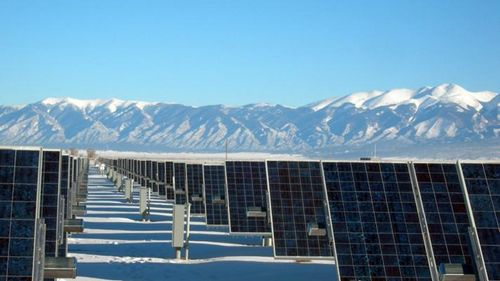 Snow nanogenerator would allow solar panels to generate energy on wintry days   Construction Buzz #215
