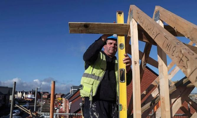 UK construction growth close to stalling as Brexit fears build | Construction Buzz #203
