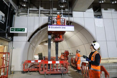 'High risk' Crossrail opening will be delayed further | Construction Buzz #226