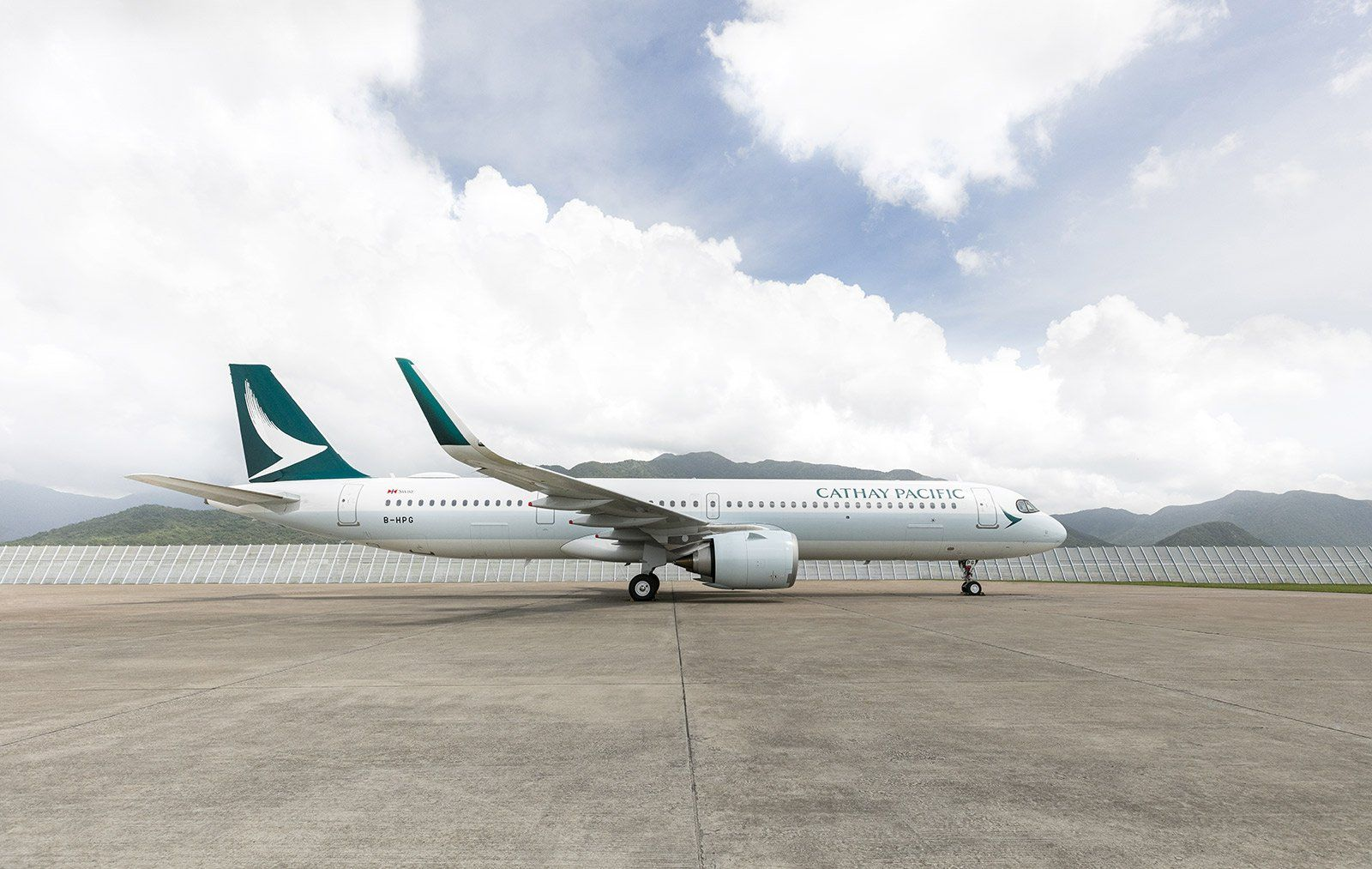8 THINGS TO KNOW ABOUT CATHAY PACIFIC'S NEW A321NEO