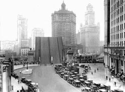 1926 - Michigan Avenue Bridge