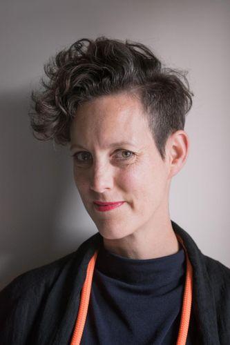 Angela Dapper