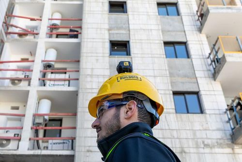 Builders could soon be wearing cameras on their hard hats to gather data that automatically updates project plans