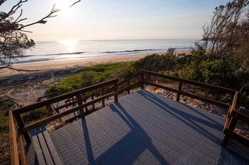 Edgewater Shores, In The Heart of Diamond Beach NSW, Installs New Enduroplank™ Viewing Platform