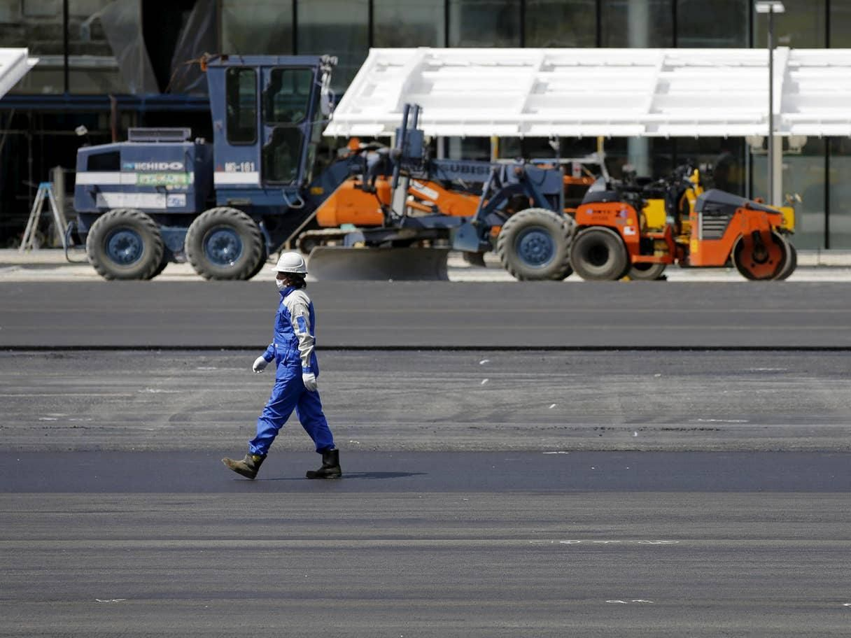 Kimonos & Hardhats: Japan's 'Womenomics' campaign takes aim at women in construction