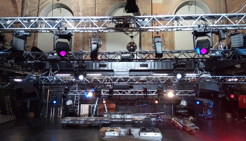 SolaFrame Studio steals the show at the Residenztheater in Munich