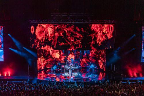 Ai Captivates Audiences on Picture This' Monumental Arena Tour