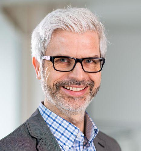 Dr Tobias Esch