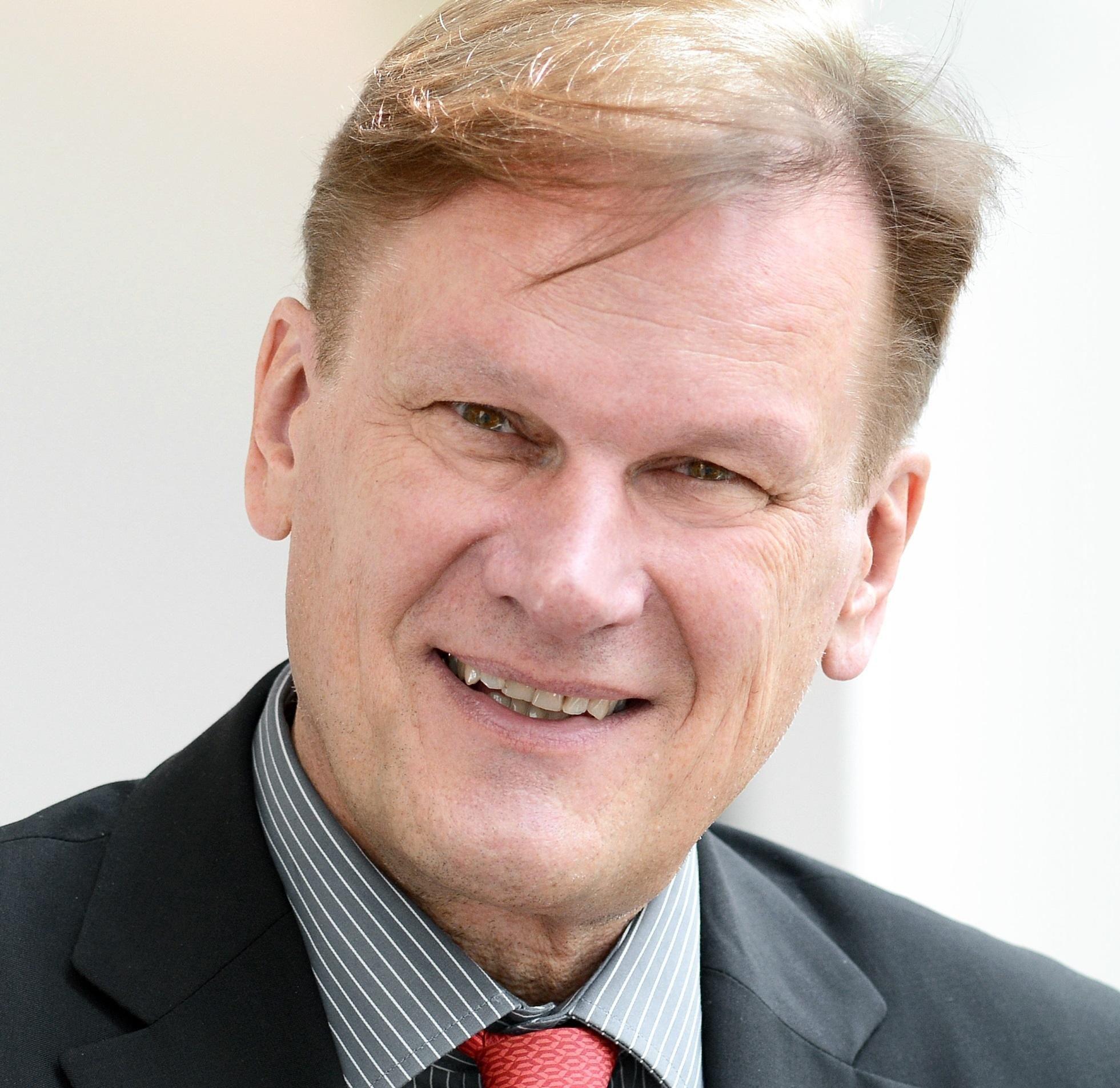 Dr Stefan Willich