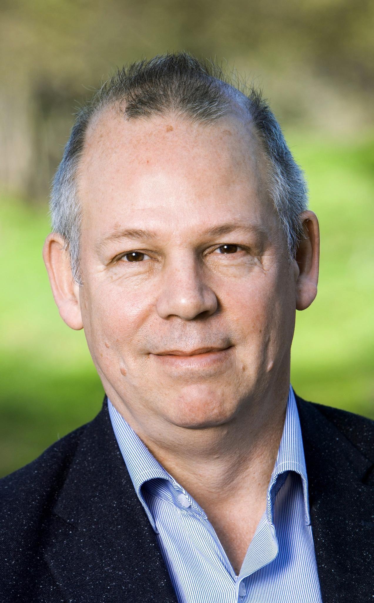 Dr Erik Baars