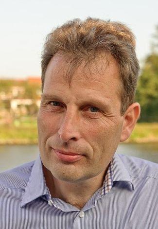 Dr Thomas Ostermann