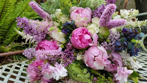Johnathan-Moseley-florist-peony-paeonies-floral-design-royal-wedding