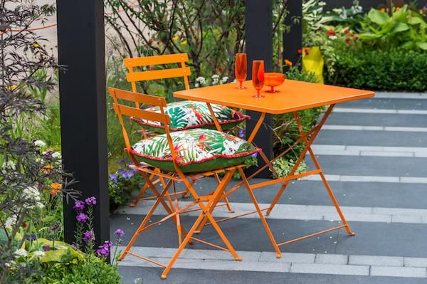 relax in the garden - a breath of fresh air by Marty Wilson 2018