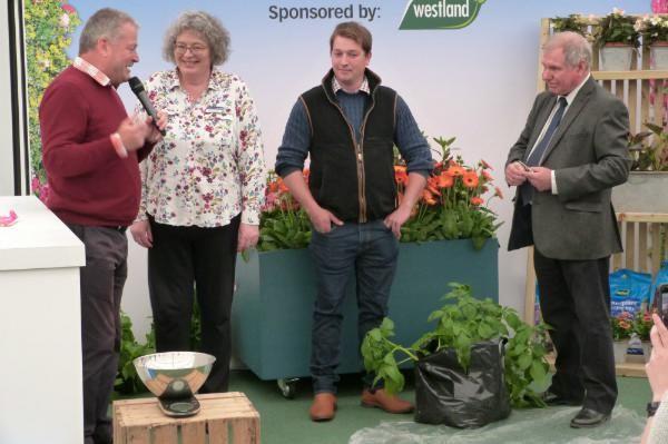 Grow your own potatoes - Matt Biggs with Brownsover School, Farmer James and Steve Bradley
