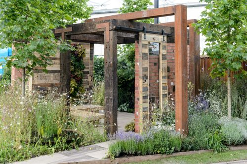 Gold Award, Living Gardens designed by Peter Cowell