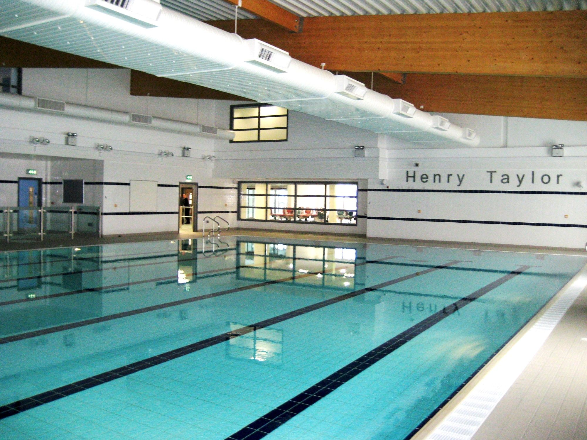 Chadderon goes green with energy efficient Munters pool system