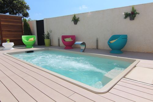 Luxe One-piece Pools - Skimmer
