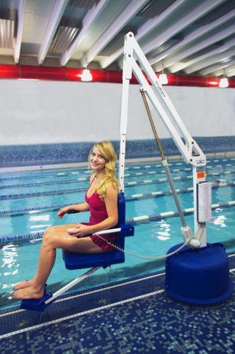 Revolution Pool Lift