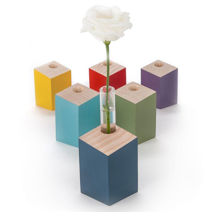 Leaning posy vase