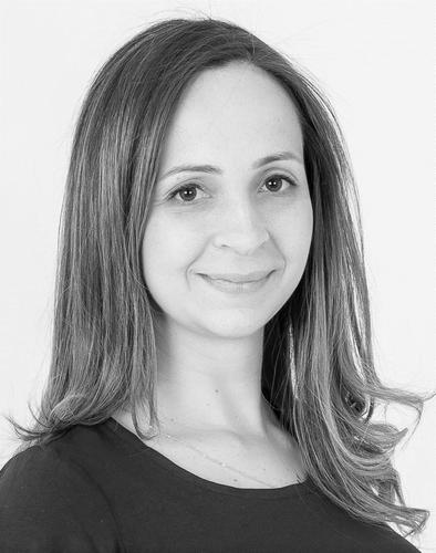 Dr Renata Tubelo