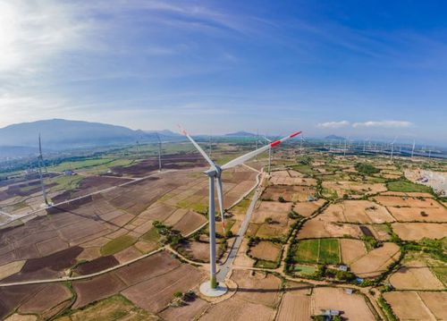 IRENA: Wind and solar costs will continue to fall