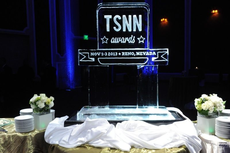 2013 table with ice sculpture